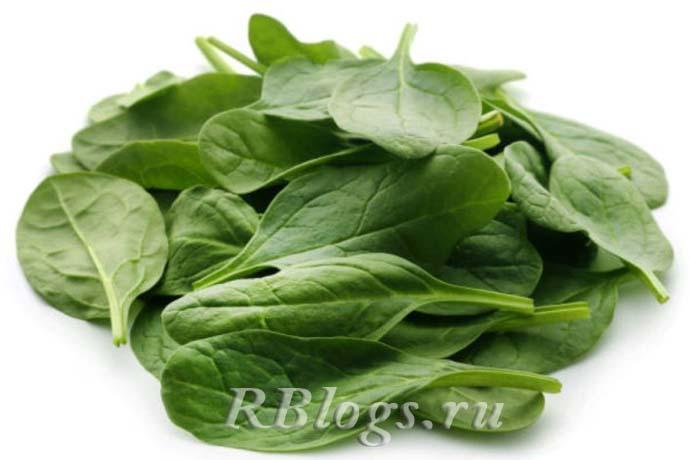 На фото листья шпината